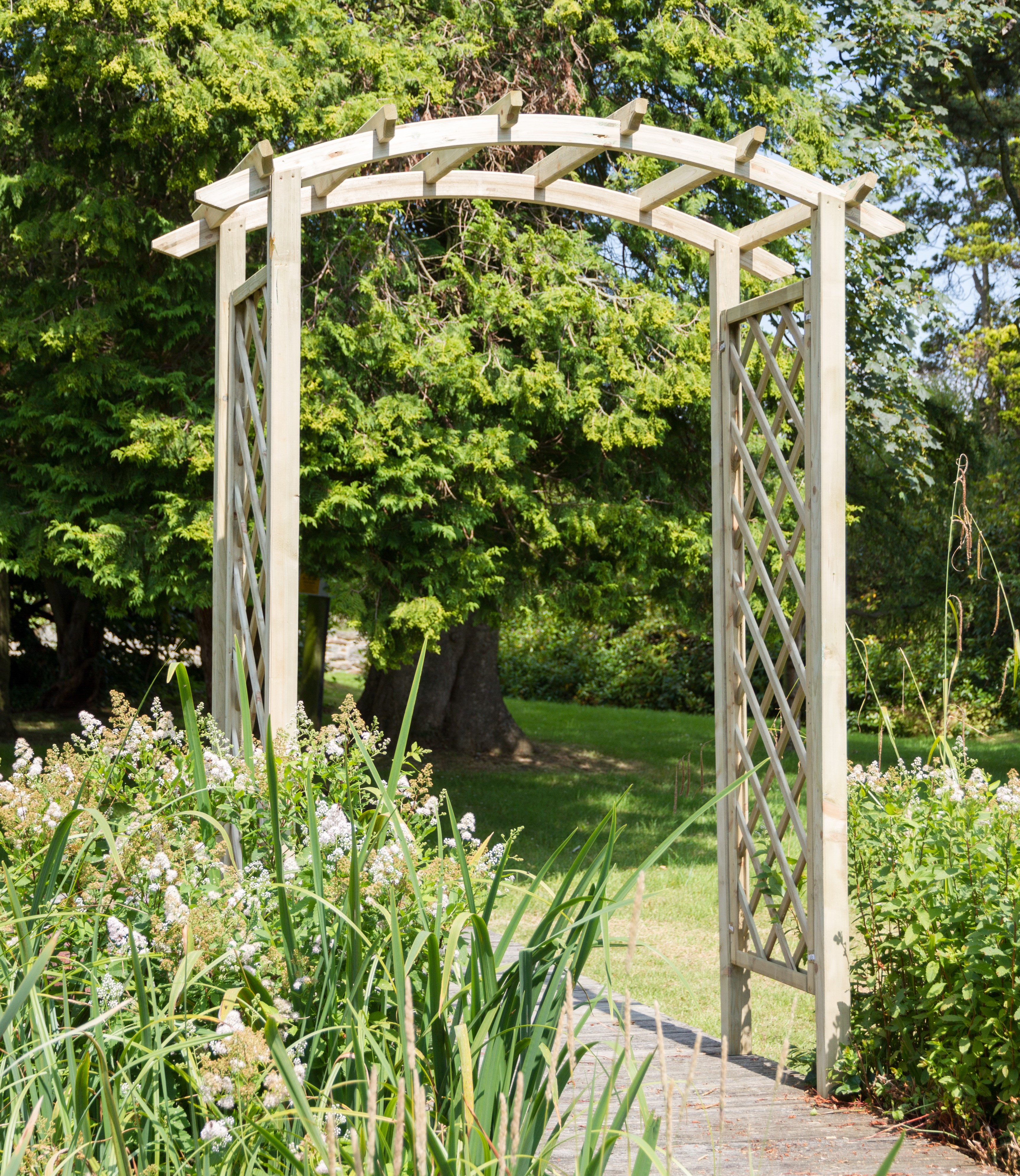 NEW DARIA ARCH WOODEN PRESSURE TREATED (1.9 x 0.9 x 2.4m)