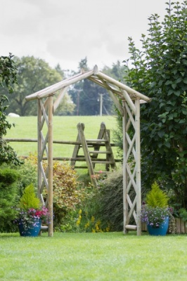 NEW RUSTIC ARCH WOODEN PRESSURE TREATED (1.83 x 0.54 x 2.77m)