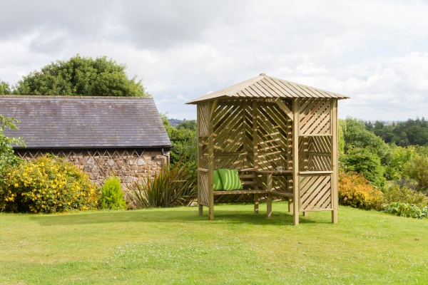 NEW BRIGHTON CORNER ARBOUR WOODEN PRESSURE TREATED (2.2 x 2.2 x 2.49m)