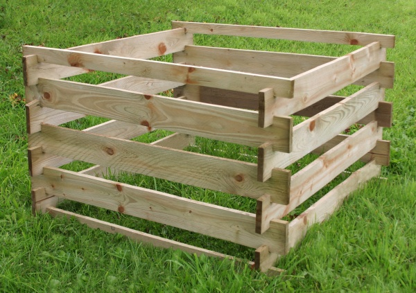 NEW COMPOSTER WOODEN PRESSURE TREATED (1 x 1 x 0.6m)