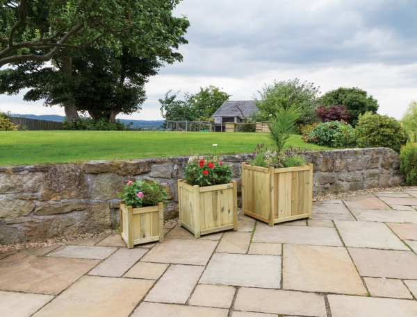 NEW HOLYWELL PLANTER MEDIUM WOODEN PRESSURE TREATED (0.48 x 0.48 x 0.51m)