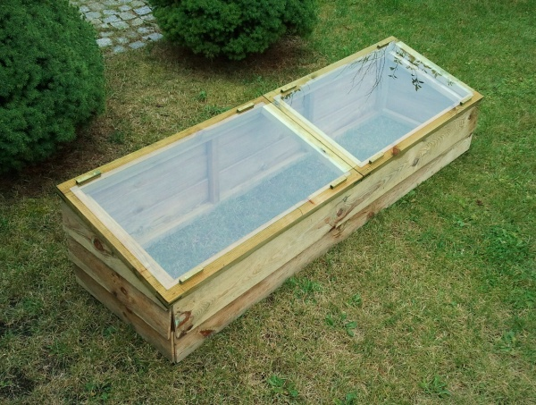 NEW LARGE COLD FRAME WOODEN PRESSURE TREATED (1.67 x 0.5 x 0.375m)